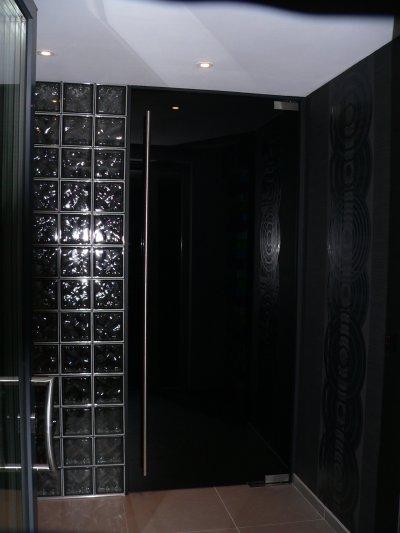 porte en verre qu 39 est ce qu 39 on est bien dedans. Black Bedroom Furniture Sets. Home Design Ideas