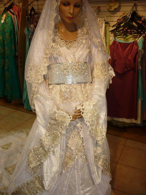 Vente et location robe de soiree mariage new caftan for Robes de mariage en argent